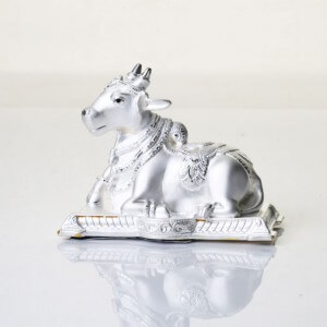 Complement your other decorating items with stunning Silver Décor Cow. Let it sparkle in your living room and captivate the attention of everyone.